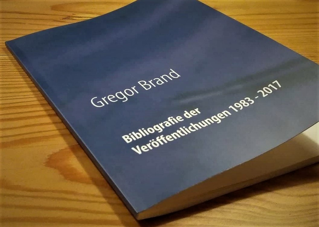 Gregor Brand: Aphoristiker. Autor. Genealoge. Jurist. Lyriker.